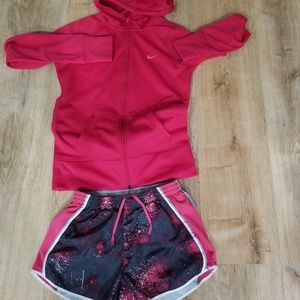 Nike bundle of two size small.